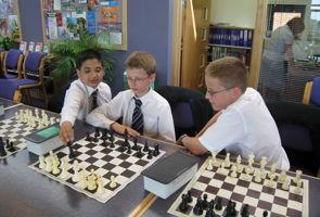 Simultaneous Chess Display 13 may 08 (3)